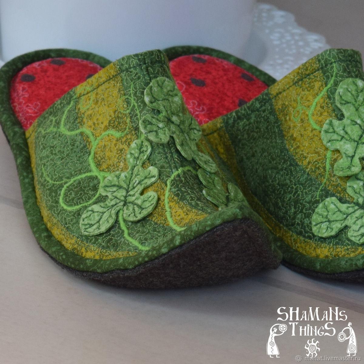 """Обувь ручной работы. Ярмарка Мастеров - ручная работа. Купить Тапочки """"Дарбыз"""". Handmade. Квилтинг и пэчворк, подарок девушке, комбинированный"""