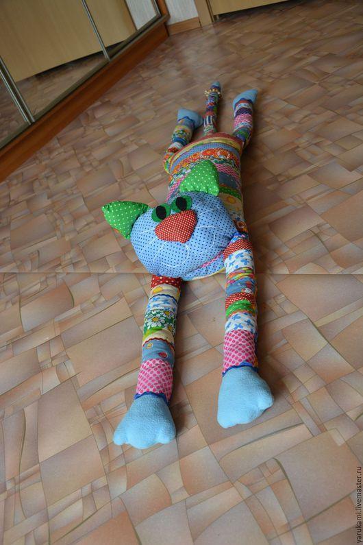 """Игрушки животные, ручной работы. Ярмарка Мастеров - ручная работа. Купить Лоскутный котик """"Тимоша"""". Handmade. Разноцветный, подушка для кормления"""