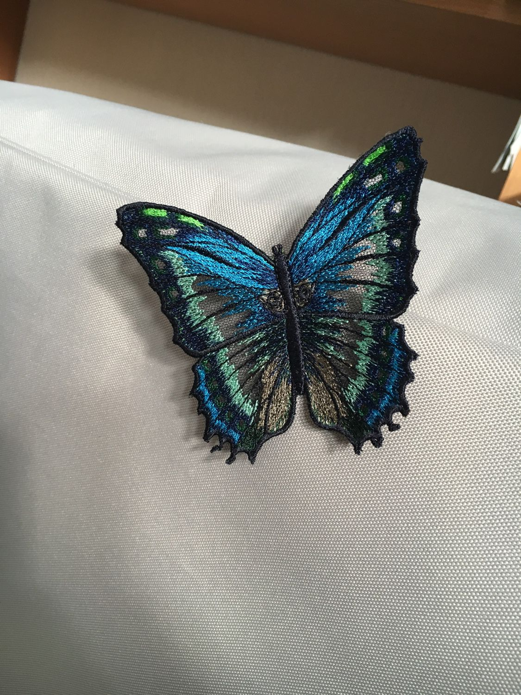 Брошь бабочка вышивка 74