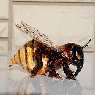 """Для дома и интерьера ручной работы. Ярмарка Мастеров - ручная работа """"Пчёлка"""" .Фарфоровая статуэтка. Handmade."""