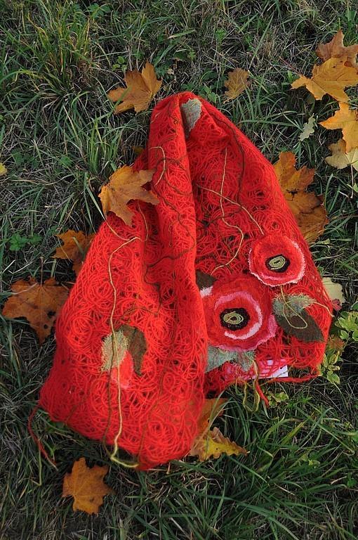 """Шарфы и шарфики ручной работы. Ярмарка Мастеров - ручная работа. Купить Шарф """"Маки на красном"""". Handmade. Шарф, шарф женский"""