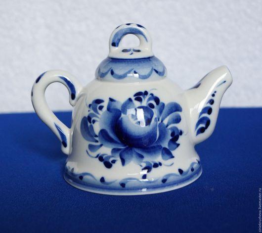 """Колокольчики ручной работы. Ярмарка Мастеров - ручная работа. Купить Колокольчик сувенирный """"Чайник"""", гжель, авторская работа. Handmade. Синий"""