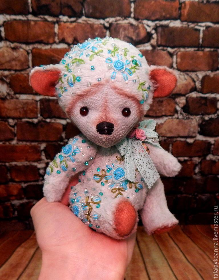 Мишки игрушки вышивка