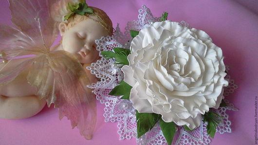 Свадебные украшения ручной работы. Ярмарка Мастеров - ручная работа. Купить Зажим с розой из фоамирана. Handmade. Белый, роза из фоамирана