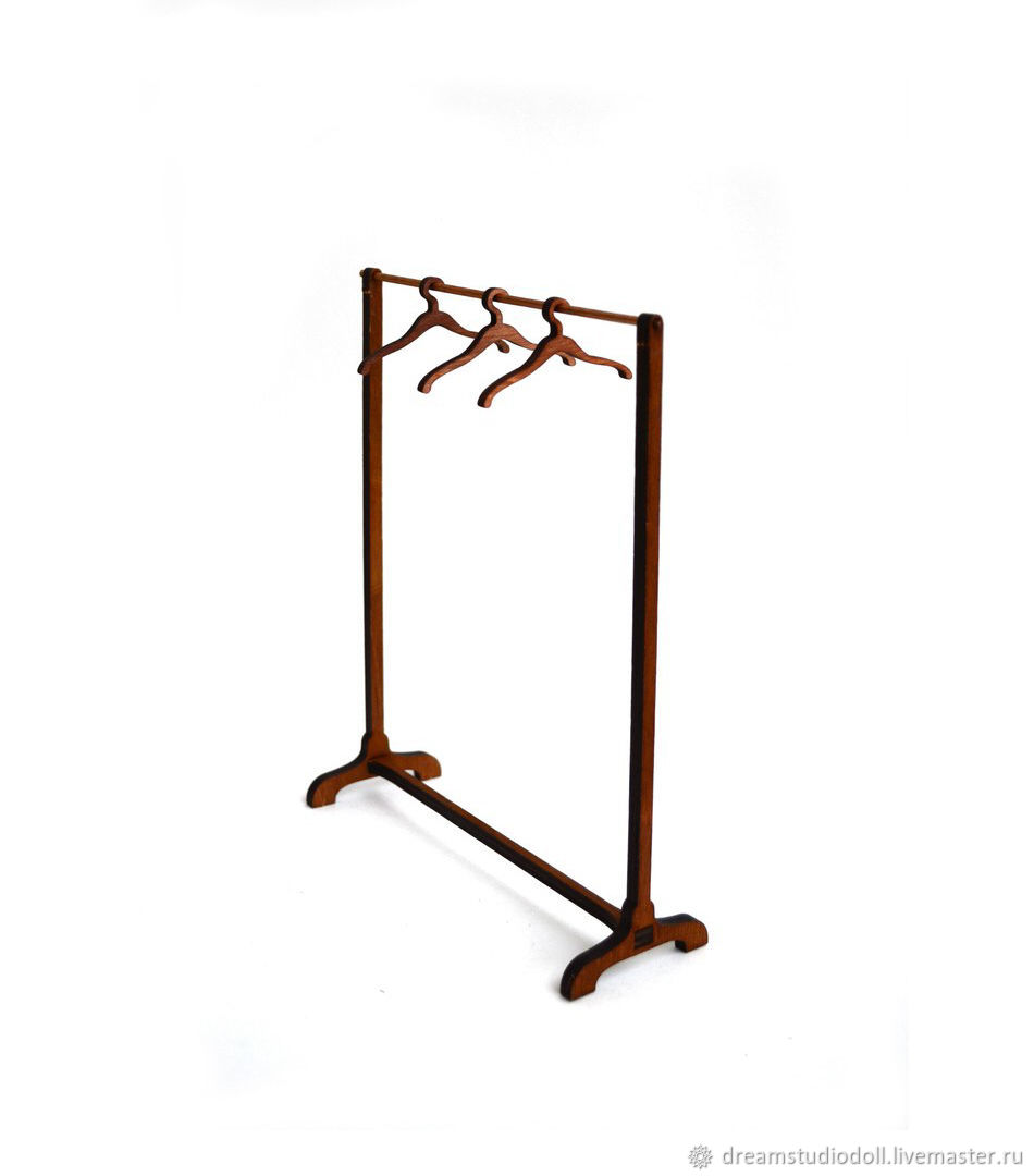 Clothes rack №4 set of 5 hangers.
