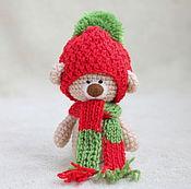 Куклы и игрушки ручной работы. Ярмарка Мастеров - ручная работа Вязаный амигуруми мишка - новогодний тедди мишка. Handmade.