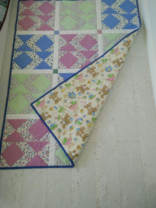 Пледы и одеяла ручной работы. Ярмарка Мастеров - ручная работа. Купить Детское одеяло в стиле пэчворк. Handmade. Одеяло пэчворк