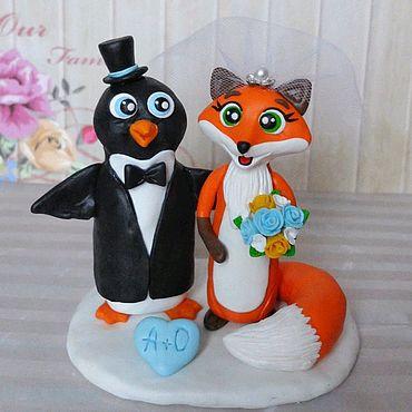 Свадебный салон ручной работы. Ярмарка Мастеров - ручная работа Фигурки на свадебный торт пингвин и лиса. Handmade.