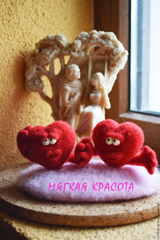 """Подарки для влюбленных ручной работы. Ярмарка Мастеров - ручная работа. Купить Подарок на 14 февраля сувенир войлочный """"Влюбленные сердца"""". Handmade."""