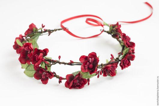 Диадемы, обручи ручной работы. Ярмарка Мастеров - ручная работа. Купить Сочный цветочный венок с красными цветами. Handmade.