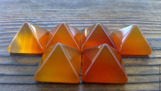 Для украшений ручной работы. Ярмарка Мастеров - ручная работа. Купить Кабошон агат пирамидки 14мм. Handmade. Кабошон, оранжевый