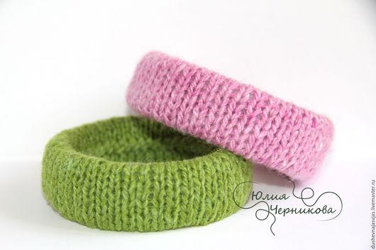 Браслеты ручной работы. Ярмарка Мастеров - ручная работа. Купить Вязанные браслеты (комплект 2 шт).Молодо-зелено. Handmade.