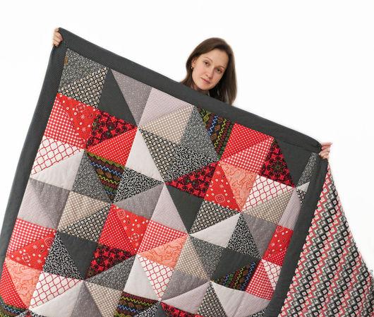 Текстиль, ковры ручной работы. Ярмарка Мастеров - ручная работа. Купить Красно-черное лоскутное одеяло. Handmade. Ярко-красный