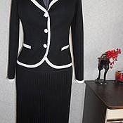 Одежда ручной работы. Ярмарка Мастеров - ручная работа Чёрный костюм с белой отделкой  и юбкой плиссе.. Handmade.