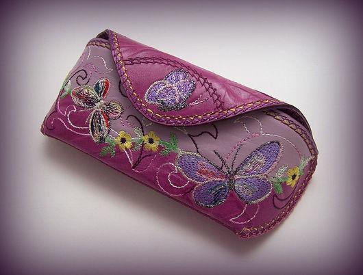 Футляры, очечники ручной работы. Ярмарка Мастеров - ручная работа. Купить Футляр для очков кожа с вышивкой Бабочки. Handmade. бабочки