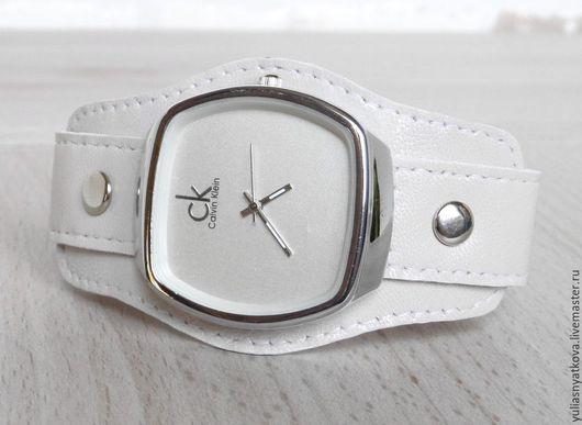 Часы ручной работы. Ярмарка Мастеров - ручная работа. Купить Брендовые часы на кожаном браслете молочного цвета.. Handmade. Белый