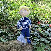 Куклы и игрушки ручной работы. Ярмарка Мастеров - ручная работа Кукла текстильная мальчик с корабликом – куда уходит детство. Handmade.