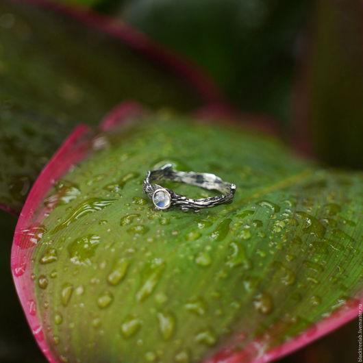 """Кольца ручной работы. Ярмарка Мастеров - ручная работа. Купить Серебряное кольцо с лунным камнем """"Эль"""". Handmade. прозрачный камень"""