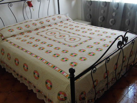 Винтажные предметы интерьера. Ярмарка Мастеров - ручная работа. Купить винтажное покрывало на кровать. Handmade. Бежевый