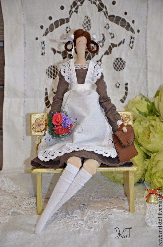 Куклы Тильды ручной работы. Ярмарка Мастеров - ручная работа. Купить Кукла Тильда школьница текстильная, интерьерная.. Handmade. Коричневый
