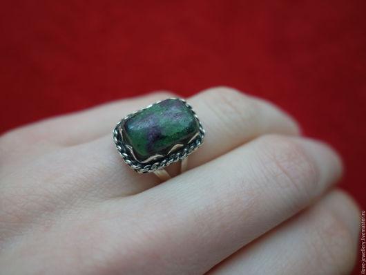 """Кольца ручной работы. Ярмарка Мастеров - ручная работа. Купить """"Клавдия"""" - серебряное кольцо в старинном стиле с рубин-цоизитом. Handmade."""