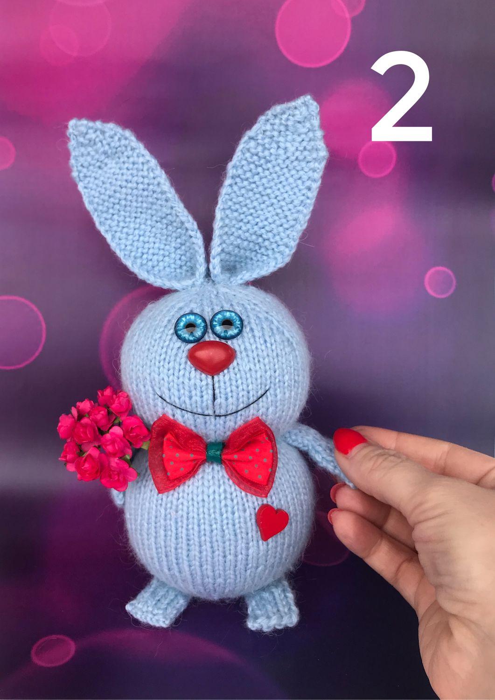 Вязаные игрушки-сувениры: зайчики и котики – купить на ...