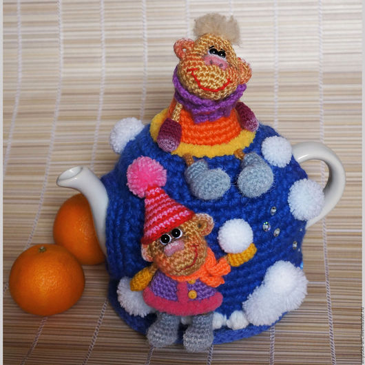 """Кухня ручной работы. Ярмарка Мастеров - ручная работа. Купить Грелка на чайник """"Мартышкины каникулы-2"""" (с чайником). Handmade."""