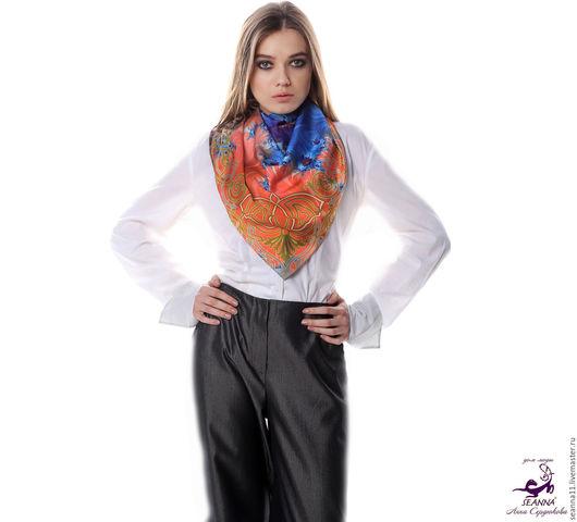 Дизайнер Анна Сердюкова (Дом Моды SEANNA).  Дизайнерский платок из шелка `Оранжево-коралловый фрактал в арабской рамке`. Размер платка - 65х65 см.  Цена - 2400 руб.