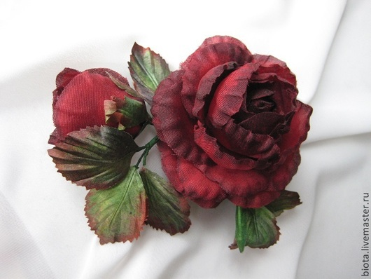 Броши ручной работы. Ярмарка Мастеров - ручная работа. Купить Царица. Бордовая роза с бутоном.. Handmade. Бордовый, украшение с розами