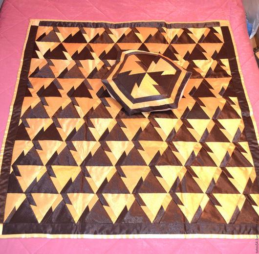 """Текстиль, ковры ручной работы. Ярмарка Мастеров - ручная работа. Купить Лоскутное покрывало и 1 наволочка""""Золото в шоколаде"""" (пэчворк). Handmade."""