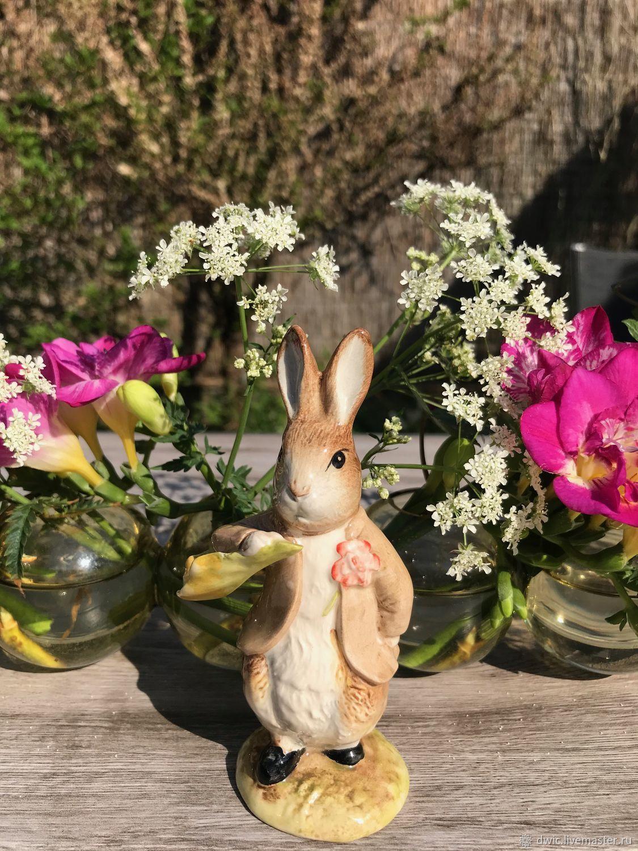 Porcelain figurine 'rabbit Rubbed', Royal Albert, England, Vintage Souvenirs, Arnhem,  Фото №1
