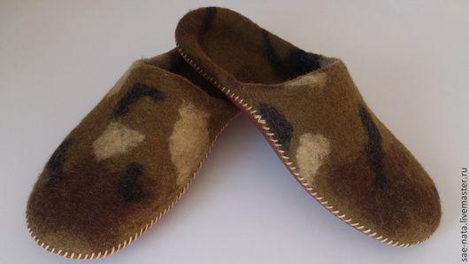 Обувь ручной работы. Ярмарка Мастеров - ручная работа. Купить Тапки валяные мужские. Handmade. Хаки, валяные тапки шерстяные