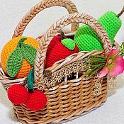 Куклы и игрушки ручной работы. Ярмарка Мастеров - ручная работа Фрукты вязаные в корзинке. Handmade.