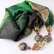 """Украшения handmade. Livemaster - original item Колье """"Ирисы Ван Гога"""" из шелка с подвесками лэмпворк. Изумрудный цвет. Handmade."""