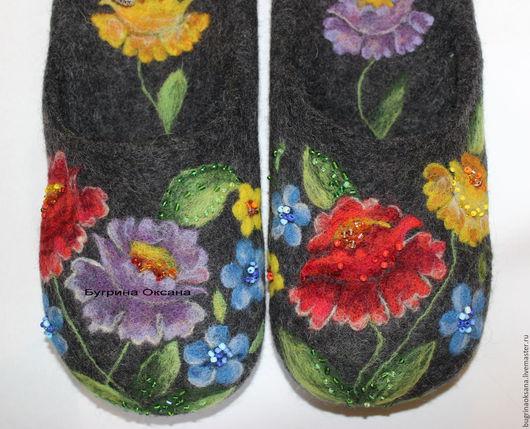 """Обувь ручной работы. Ярмарка Мастеров - ручная работа. Купить """"Озорные лапти Аксиньи"""" валяные тапочки. Handmade. Черный"""