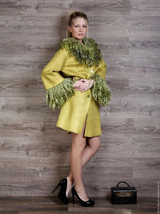 """Верхняя одежда ручной работы. Ярмарка Мастеров - ручная работа. Купить Пальто """" Лайм"""". Handmade. Лимонный, шёлк натуральный"""