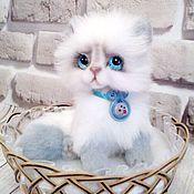 Куклы и игрушки ручной работы. Ярмарка Мастеров - ручная работа котик Снежа. Handmade.