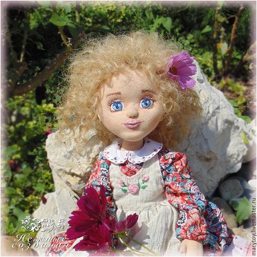 Коллекционные куклы ручной работы. Ярмарка Мастеров - ручная работа. Купить Виолетта, авторская текстильная коллекционная интерьерная кукла. Handmade.