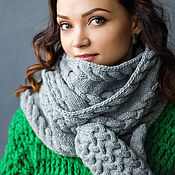 """Аксессуары ручной работы. Ярмарка Мастеров - ручная работа """"Герда"""", комплект вязаный женский, шарф вязаный и варежки вязаные. Handmade."""