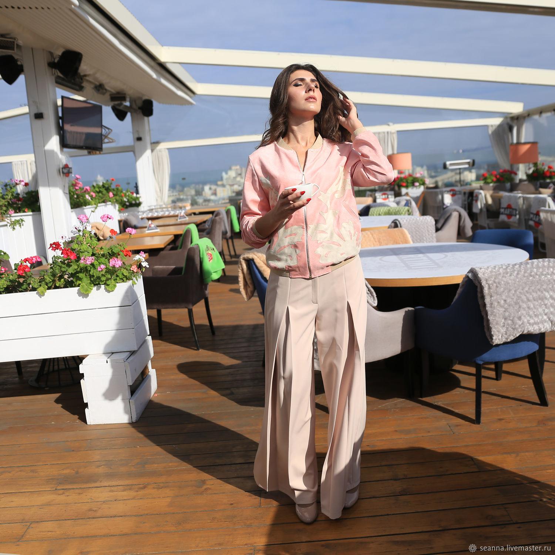 Верхняя одежда ручной работы. Ярмарка Мастеров - ручная работа. Купить Бомбер из эко-замши с аппликацией Розовый Зефир. Handmade.