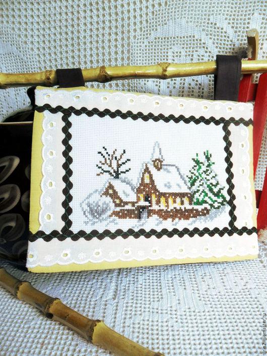 Пейзаж ручной работы. Ярмарка Мастеров - ручная работа. Купить Первое утро нового года панно с ручной вышивкой крестом дом елки снег. Handmade.