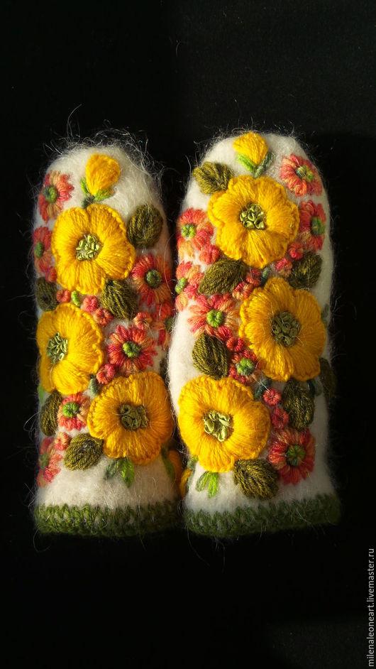 Варежки, митенки, перчатки ручной работы. Ярмарка Мастеров - ручная работа. Купить Варежки с объемной вышивкой  Горький Мед. Handmade.