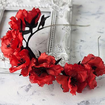 Украшения ручной работы. Ярмарка Мастеров - ручная работа Ободок с красными цветами мака и черными листьями из шелка. Handmade.