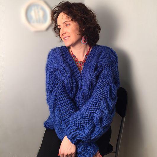 Кофты и свитера ручной работы. Ярмарка Мастеров - ручная работа. Купить Кардиган-бомбер крупной вязки из полушерсти с объемными косами синий. Handmade.