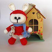 Куклы и игрушки ручной работы. Ярмарка Мастеров - ручная работа Вязаная игрушка Зайка с мишкой. Handmade.
