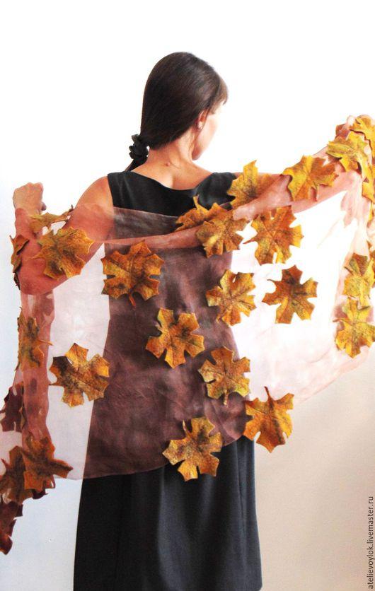 """Шали, палантины ручной работы. Ярмарка Мастеров - ручная работа. Купить Палантин """"Золотая осень"""". Handmade. Кленовый лист, оранжевый"""