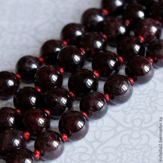 Для украшений ручной работы. Ярмарка Мастеров - ручная работа. Купить Гранат Альмандин 8; 9 мм шар гладкий - бусины камни для украшений. Handmade.