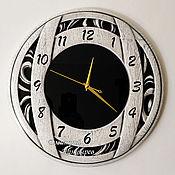 Для дома и интерьера handmade. Livemaster - original item Wall clock round whitewashed oak black glass. Handmade.