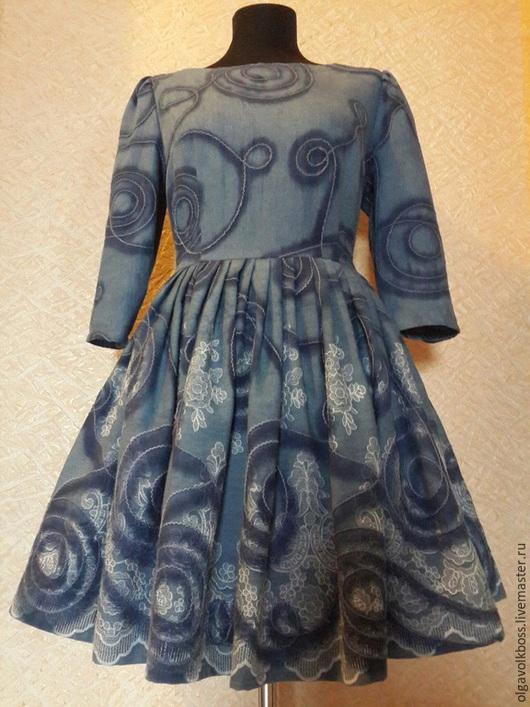 Платья ручной работы. Ярмарка Мастеров - ручная работа. Купить Платье джинсовое с вышивкой. Handmade. Тёмно-синий, вырез лодочкой