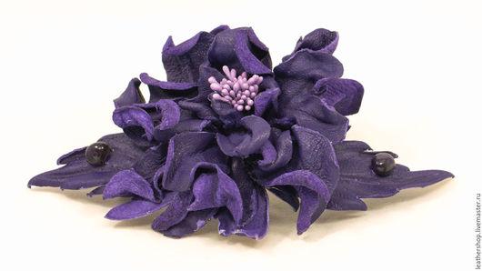 Заколка-цветок из натуральной кожи. Автор: Анна Пархоменко